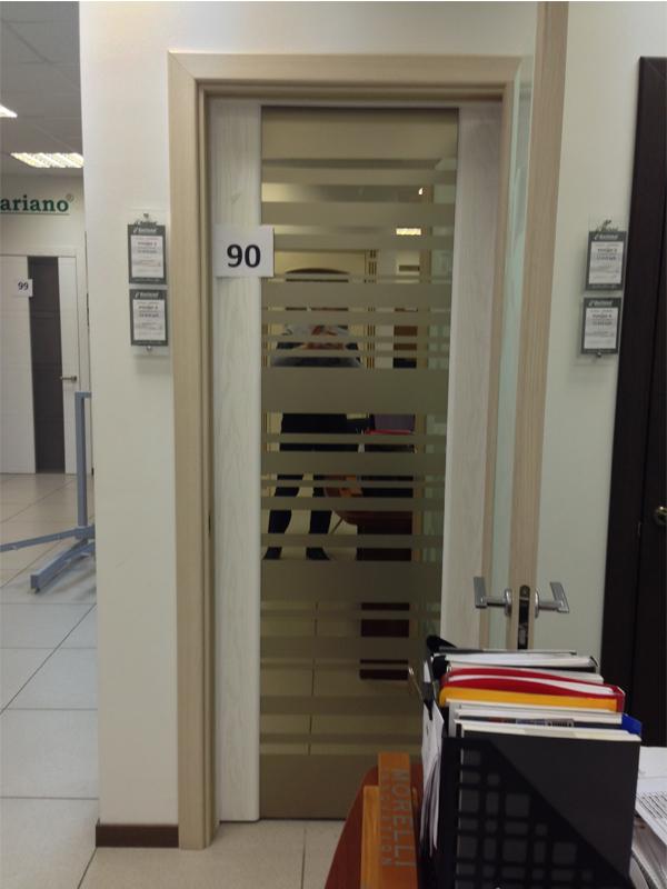 Дверь 90
